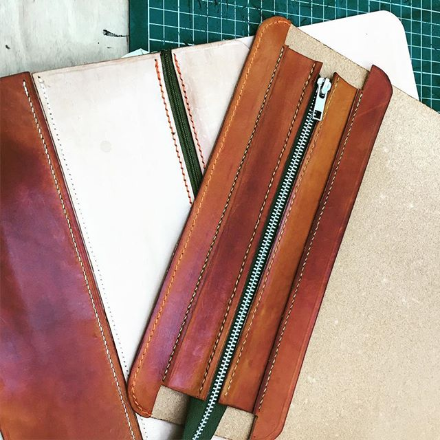 Beautiful #handstitched #leatherwork on our Make a Handbag evening course - #vegtan Tote with intricate pocket details and clever adaptation into a backpack by very promising student! #londoncraft #designerbag #fashioncourse #accessories