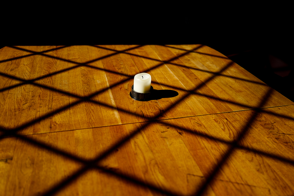 nobelhart schmutzig berlin, kerze, candle, stillife, stilllife, wood, sunlight, berlin