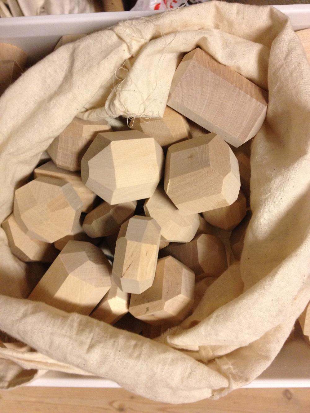 Leksaker i trä