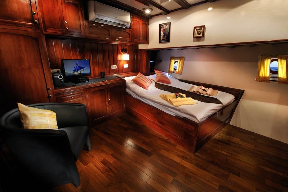cabin3low.jpg