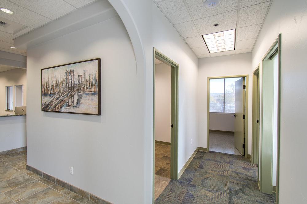 1733 Hallway.jpg