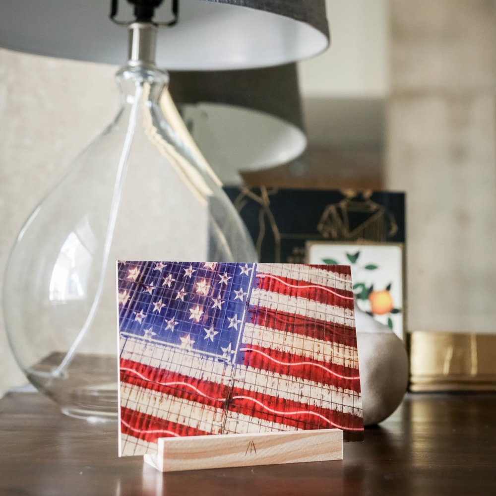 American Glow : 5x7 + Stand