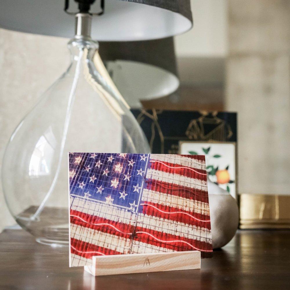 American Glow : 5x7 + Stand