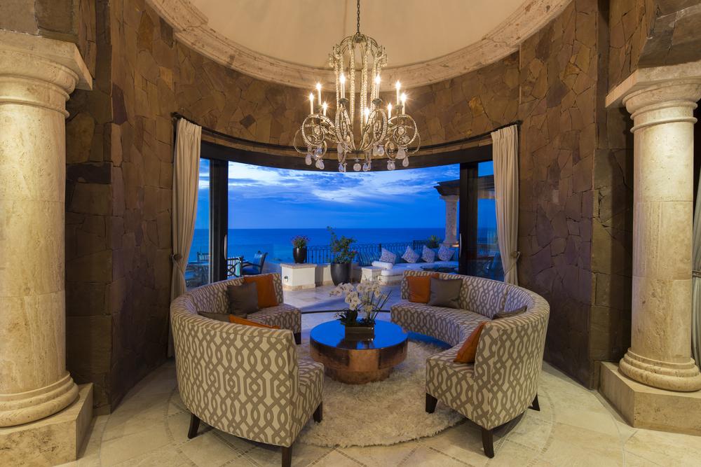 Circular lounge area