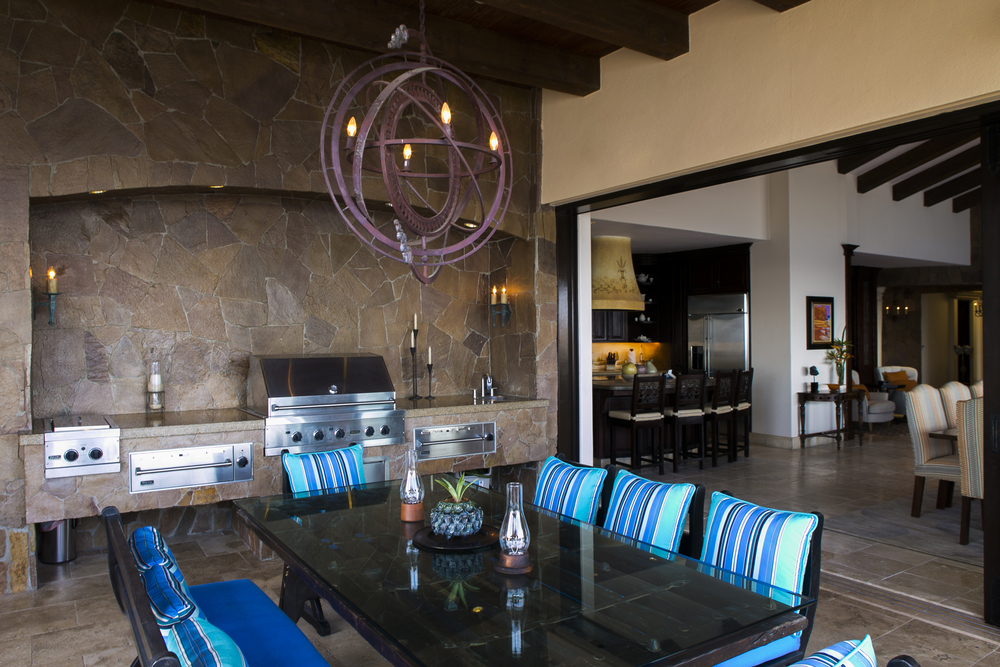 Outdoor Kitchen and Dining Room