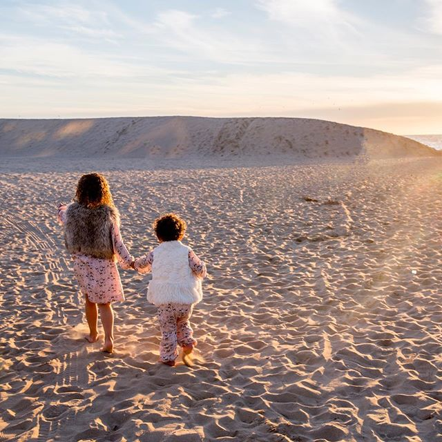 'Follow me!' Sisters are the best 🤗 Big thank you to the Calhoun family for getting in the December ocean for photos! #worthit . . . . . . . . . . . . . . . . . . . . . . . #familyphotoshoot #junelightphotography #vscofilter #instagramers #likeforlikes #venice #california #vscofamily #instavsco #vscocam #love #beach #sunset #family