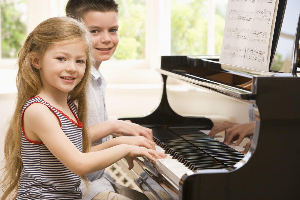 Piano - Når man øver på musikk trener man både selvkontroll, oppmerksomheten og hukommelsen.