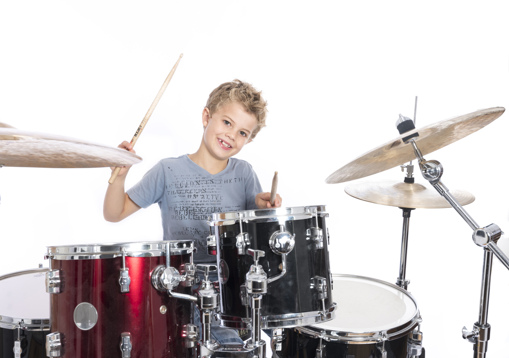 Groove - Å lære seg koordinasjon med hender og føtter gir god kroppsbeherskelse og god rytme i kroppen.