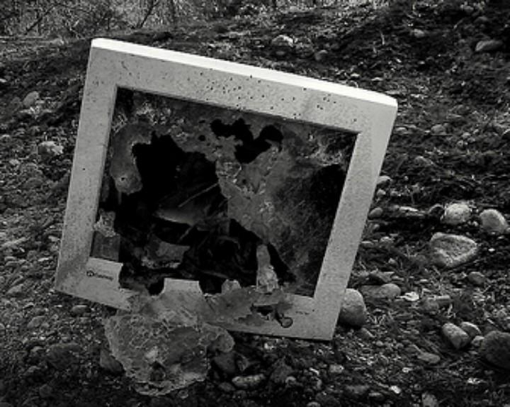 broken computer 720.jpg