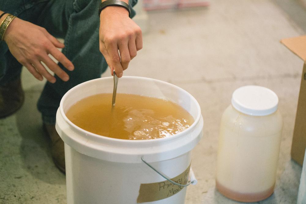 mead honey stir