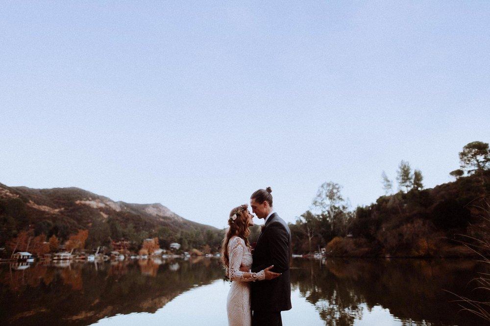 couple-at-lake--Malibou-Lake-Lodge.jpg