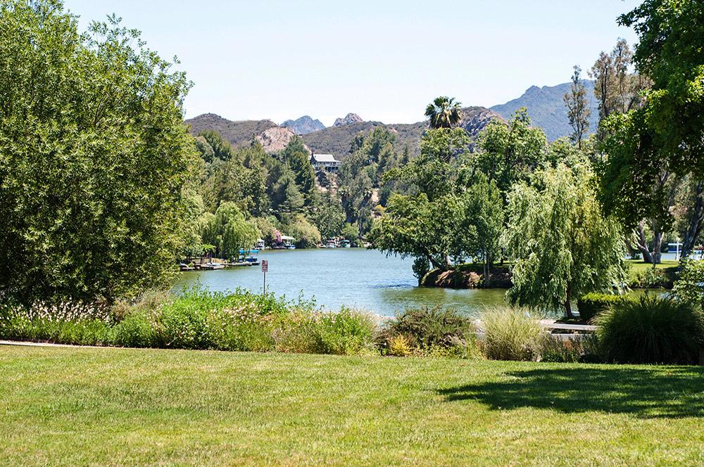 lawn-by-malibou-lake-lodge.jpg