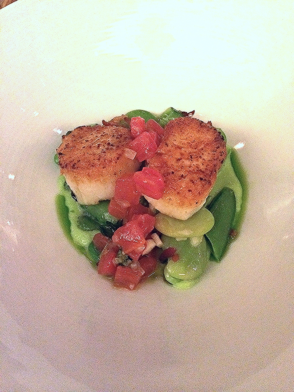 day boat scallops, sugar snap peas, fava beans, tomato, pancetta & preserved lemon