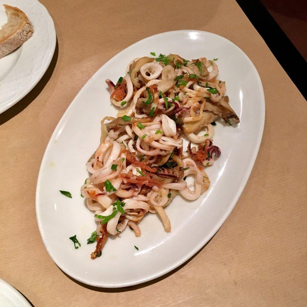 sautéed squid with mushrooms