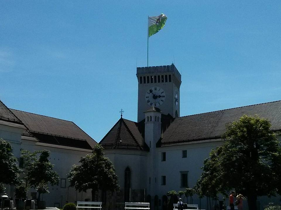 castle_slovenia.jpg