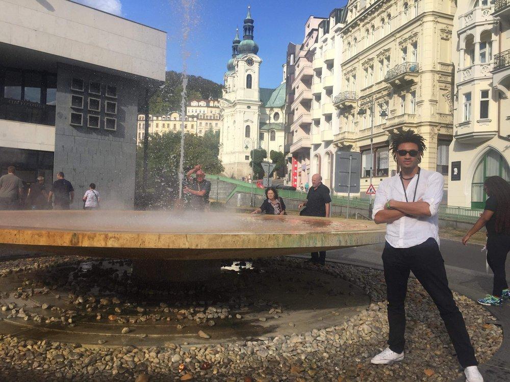 Karlovy_Vary-naturalsprings.JPG