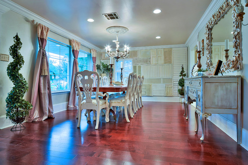 Decorating Formal Dining Room With Antiques New Orleans Style