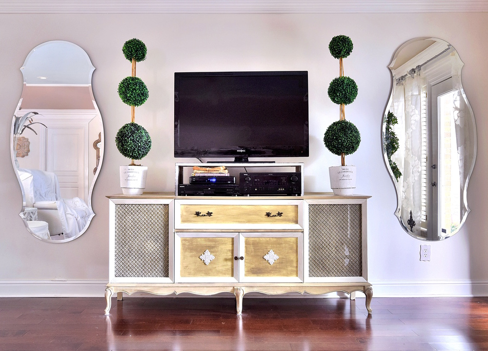 vintage tv console decor new orleans interiors khb interiors