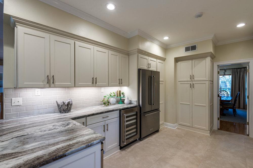 _D4B5314 westholz kitchen 2 .jpg