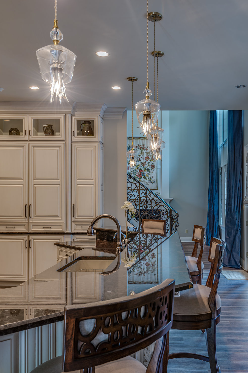 KHB Interiors beautiful kitchen into sitting old metairie new orleans uptown interior designer new furniture custom drapery metairie .jpg