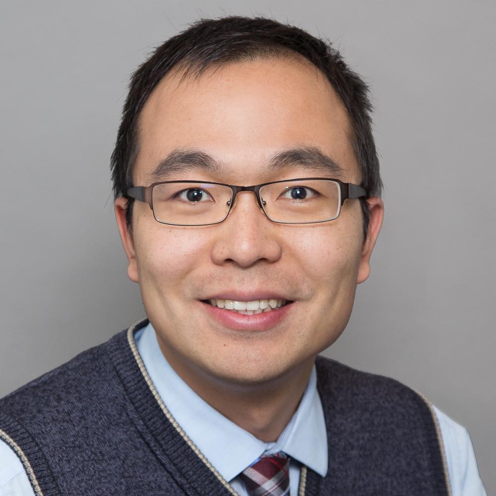DR. Yutian (ryan) ZHAO - Chercheur et officier de développement de projet national - PhD - Génie chimique, Université Queen'sB.Eng. - Génie chimique, Université du ZhejiangRyan (Yutian) Zhao est un agent de développement de projets junior au CUTRIC, basé à Kingston, en Ontario. Il est responsable du développement de projets de Kingston et du nord-est jusqu'à Ottawa. Au sein du CUTRIC, le Dr Zhao participe à des initiatives de recherche, y compris l'élaboration de documentation de références pour l'essai pancanadien de démonstration et d'intégration d'autobus électriques (Phases I et II) et le Projet national de démonstration de véhicules intelligents. Ses antécédents de recherche sont axés sur la modélisation mathématique de la production de polymères ramifiés. Récemment, il a étendu son domaine à la science des données et à l'apprentissage automatique. Son intérêt pour l'énergie verte et la protection de l'environnement lui donne la passion de travailler sur les technologies émergentes impliquées dans l'adoption des voitures électriques et des bus.LinkedIn