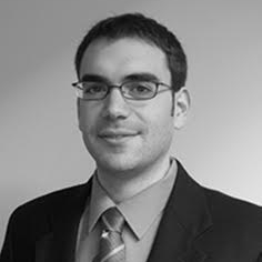 MARC SECANELL GALLART - UNIVERSITY OF ALBERTA - Marc Secanell est professeur agrégé au Département de génie mécanique de l'Université de l'Alberta, au Canada, et directeur du laboratoire de conception de systèmes énergétiques. Il a reçu son doctorat et sa maîtrise en génie mécanique de l'Université de Victoria, au Canada, en 2008 et 2004, respectivement. Il est titulaire d'un B.Ing. (2002) de l'Universitat Politecnica de Catalunya (BarcelonaTech). En 2008, il a été assistant de recherche au Conseil national de recherches du Canada, Institut d'innovation en piles à combustible, à Vancouver, et en 2015-2016, il a été chercheur invité à la Division de la conversion énergétique du Lawrence Berkeley National Laboratory aux États-Unis. Ses intérêts de recherche portent sur: a) l'analyse et la conception informatique de systèmes énergétiques, tels que les piles à électrolyte polymère, les électrolyseurs polymères, les volants et les tours de refroidissement, b) la fabrication et la caractérisation de piles à combustible à électrolyte polymère, c) l'analyse des éléments finis, et d) l'optimisation de la conception multidisciplinaire. Ses projets de recherche actuels incluent le développement de l'OpenFCST (Open Source Simulation Toolbox) un cadre à source ouverte pour l'analyse des piles à combustible, le développement de modèles mathématiques et de stratégies d'optimisation pour les tours de refroidissement et les volants composites à grande vitesse, la fabrication et la caractérisation de piles à combustible à électrolyte polymère à faible charge et de volants composites à grande vitesse. Dans le cadre d'OpenFCST, son groupe développe des modèles mathématiques pour étudier: a) les réactions électrochimiques à plusieurs étapes, b) le transport de gaz à plusieurs composants dans les milieux poreux, c) les modèles de transport multiphases dans les milieux poreux; et d) la reconstruction stochastique et la simulation de matériaux poreux. Il est l'auteur de 39 articles de revu