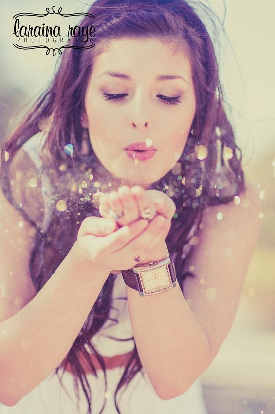 Senior Girl Blowing Glitter | Laraina Hase Photography