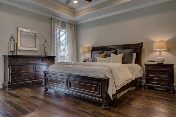 bedroom-1940169_1920.jpg