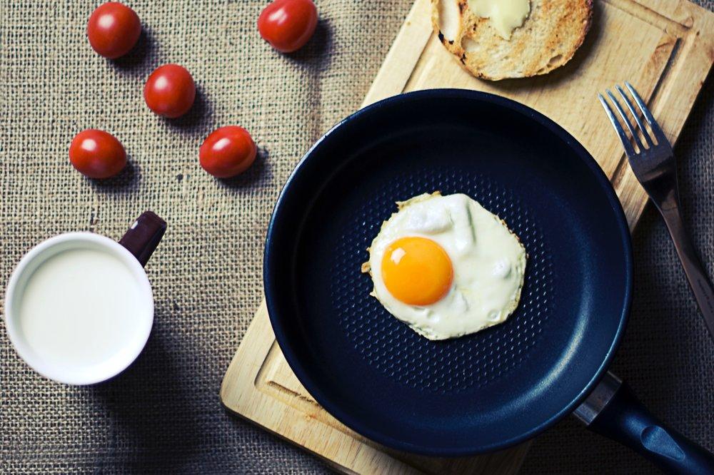 Una docena de raones para comer huevo.jpg