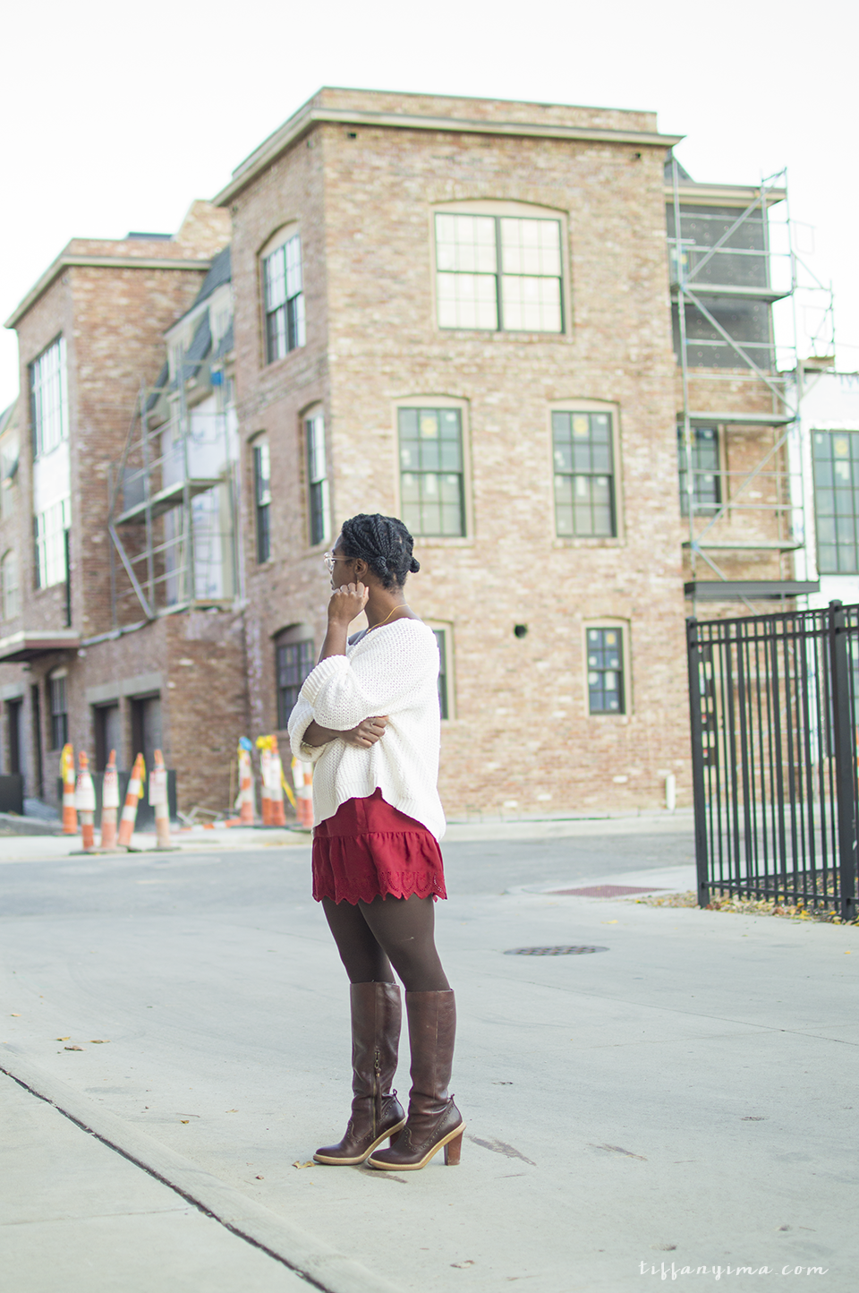 SKIRT: MADEWELL |SWEATER: THRIFTED (SIMILAR) | BOOTS: SIMILAR
