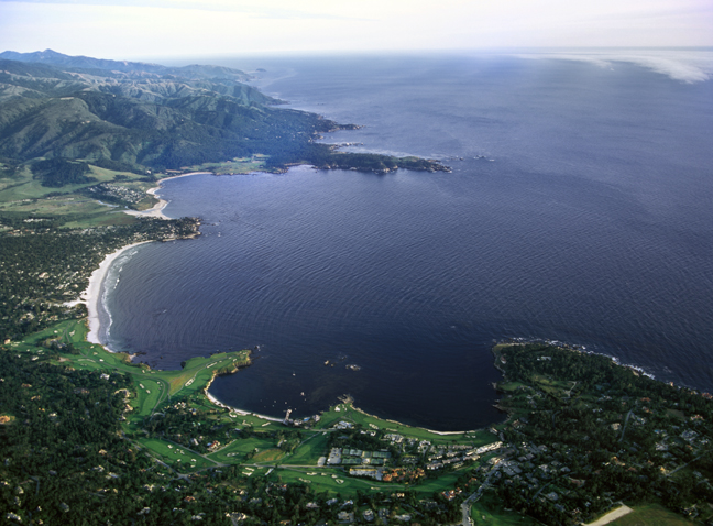 An aerial view of Carmel Bay (above) and the model view of water currents at 65 feet depth (right). The clockwise motion in Southern Carmel Bay are highlighted by the arrows, which show velocity, and colors, which shows speed. Photo credit: Kip Evans