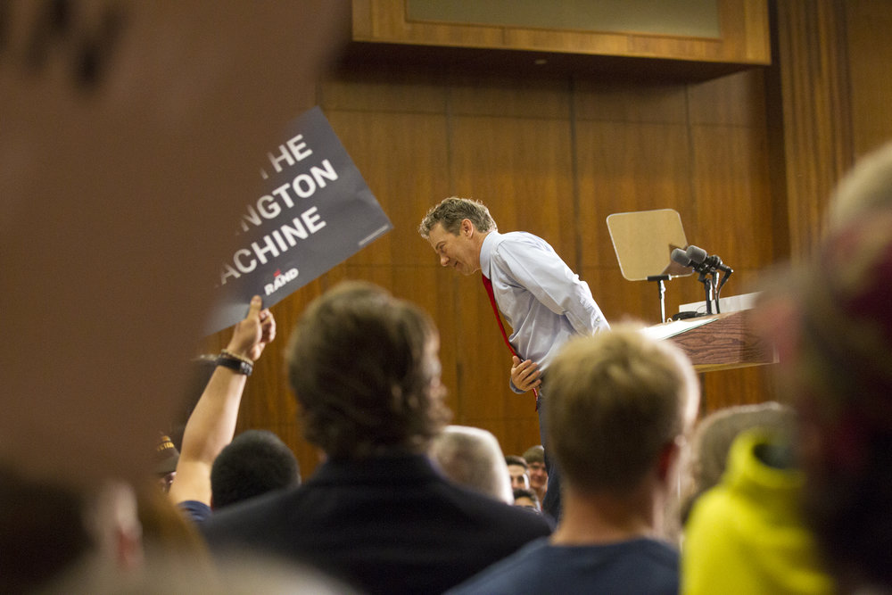 Presidential candidate Rand Paul gives a bow to UI students.