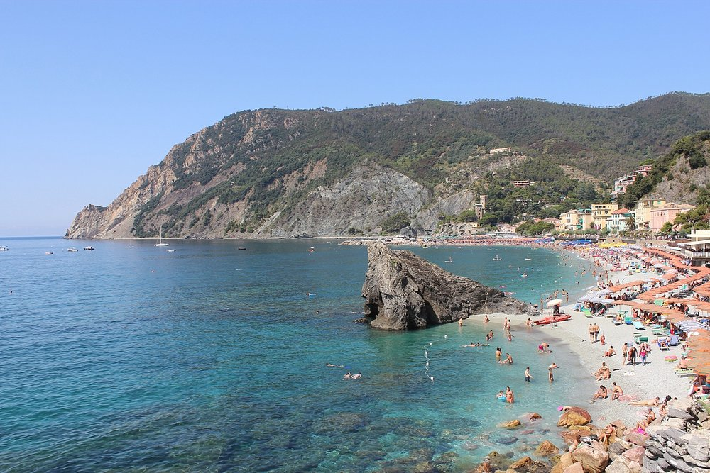 You can get married overlooking this ocean in Cinque Terre - Photo: The Romanticist Studios
