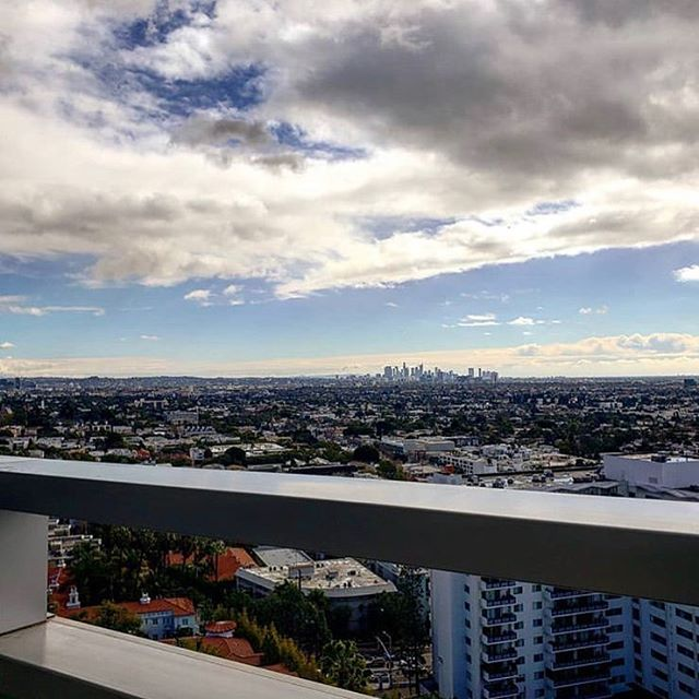 When Monday means getting back to this view, we can't wait for Monday . . . @thompsonhousegroup #thompsonhousegroup #hillspenthouse #hillspenthousewh #westhollywood #la #losangeles #coworkingspace #coworking #officegoals #workandplay #membersclub #privatemembersonly #repost @changecadet