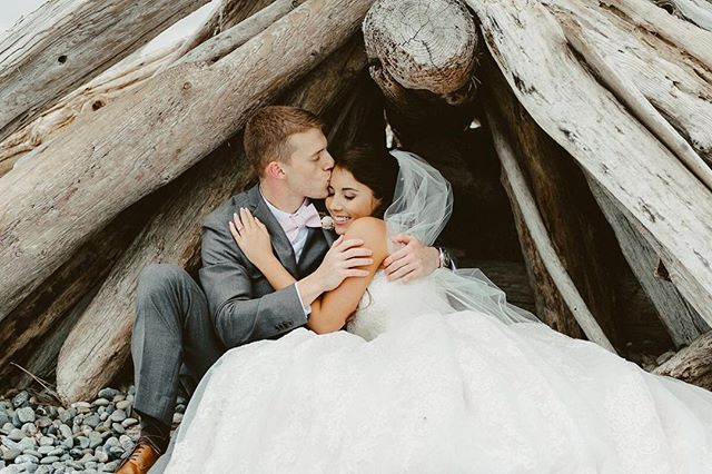 """Come, cuddle your head on my shoulder, dear, your head like the golden rod, and we will go sailing away from here to the beautiful Land of Nod."" - Ella Wheeler Wilcox .⠀ .⠀ .⠀ #captus #captusphotography #captusweddings #pnwedding #seattlephotographer #seattlephotography #pnwisbest #beachwedding  #weddingphotography #fuji #pnwlife #lookslikefilm #seattlebride #pnwwedding #washingtonwedding #lovelysquares #fujifilm #nwweddings #pnwphotography #bride #pnwcollective #collectivelycreative #pursuepretty #weddingdetails  #whidbeyisland #outdoors #whidbeyislandwedding #seattlewedding #weddinginspiration"