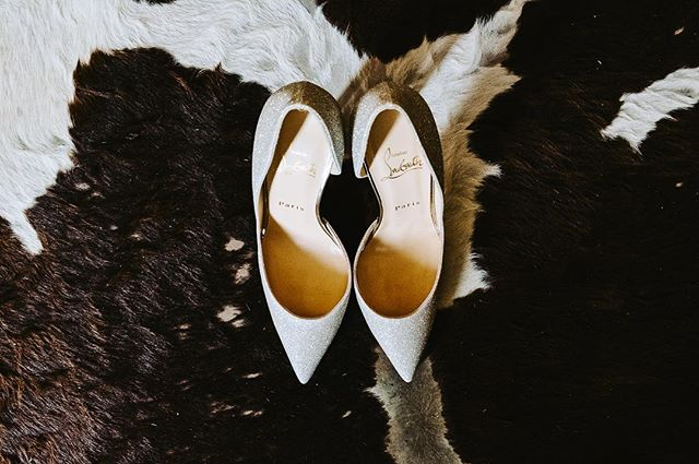 These shoes! .⠀ .⠀ .⠀ @louboutinworld #christianlouboutin  #captusphotography #captusweddings #pnwedding #seattlephotographer #seattlephotography #pnwisbest #livethelittlethings #weddingshoes #fuji #pnwlife #lookslikefilm #seattlebride #pnwwedding #washingtonwedding #lovelysquares #fujifilm #nwweddings #pnwphotography #bride #pnwcollective #collectivelycreative #pursuepretty #soloverly #weddingdetails #shoesofinstagram #weddinginspiration #vscowedding #portraitcollective #bridebook