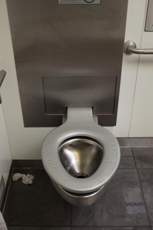 Toilet4.jpg