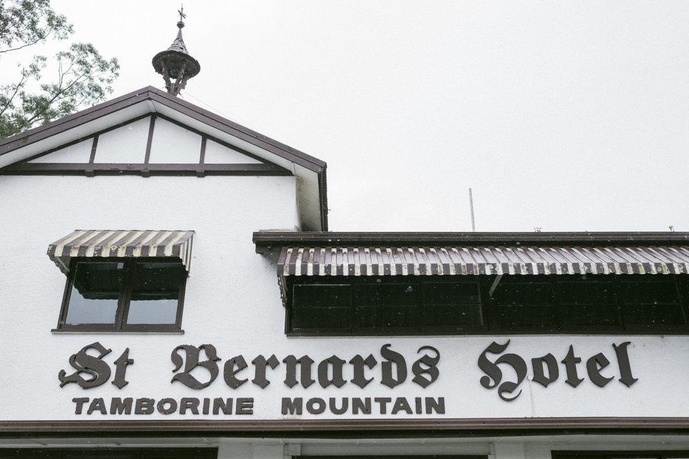 Mt-tamborine-wedding-st-bernards-61.jpg