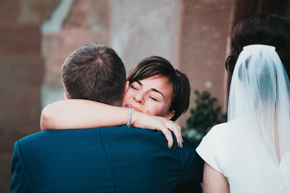 emotional-wedding-photos