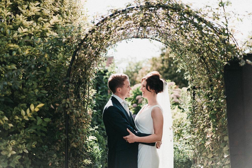 curradine-barns-couple-shoot