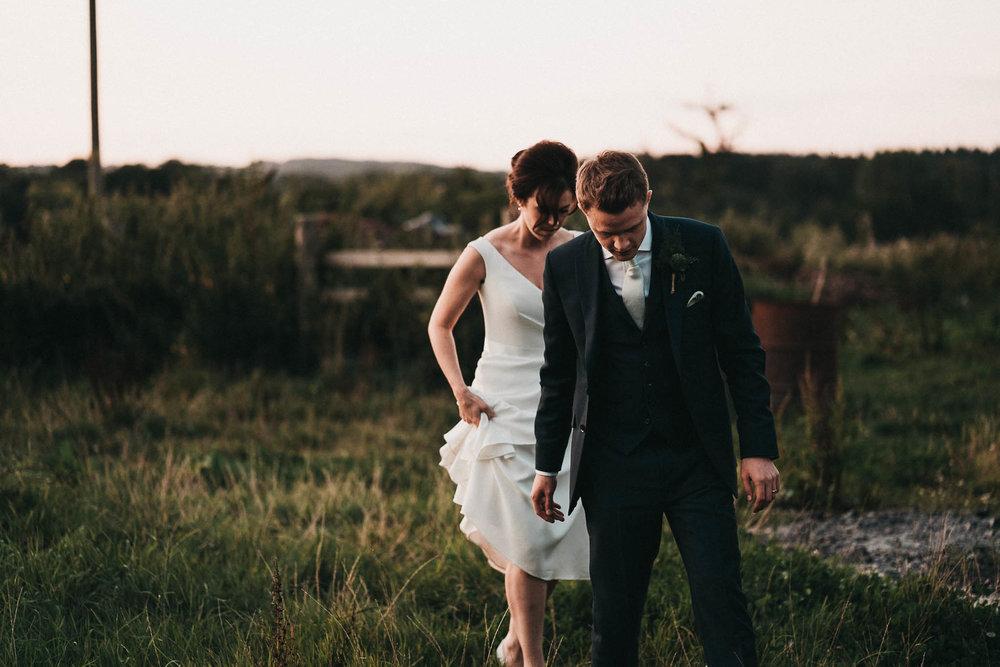 golden-hour-wedding-photography