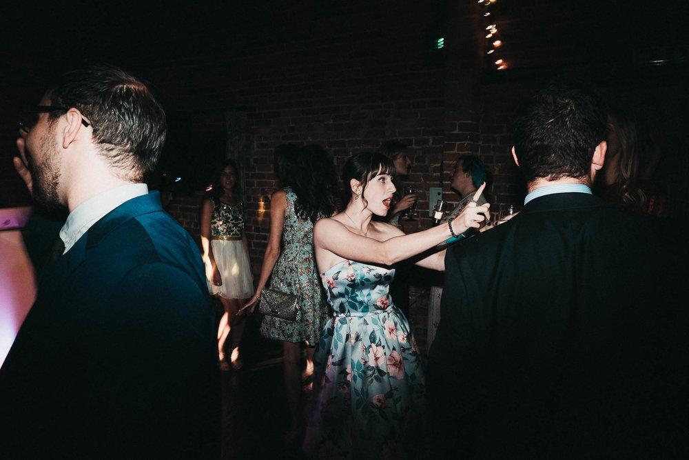 fun-dancing-pictures-wedding