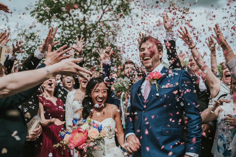 midlands-wedding-confetti-photo
