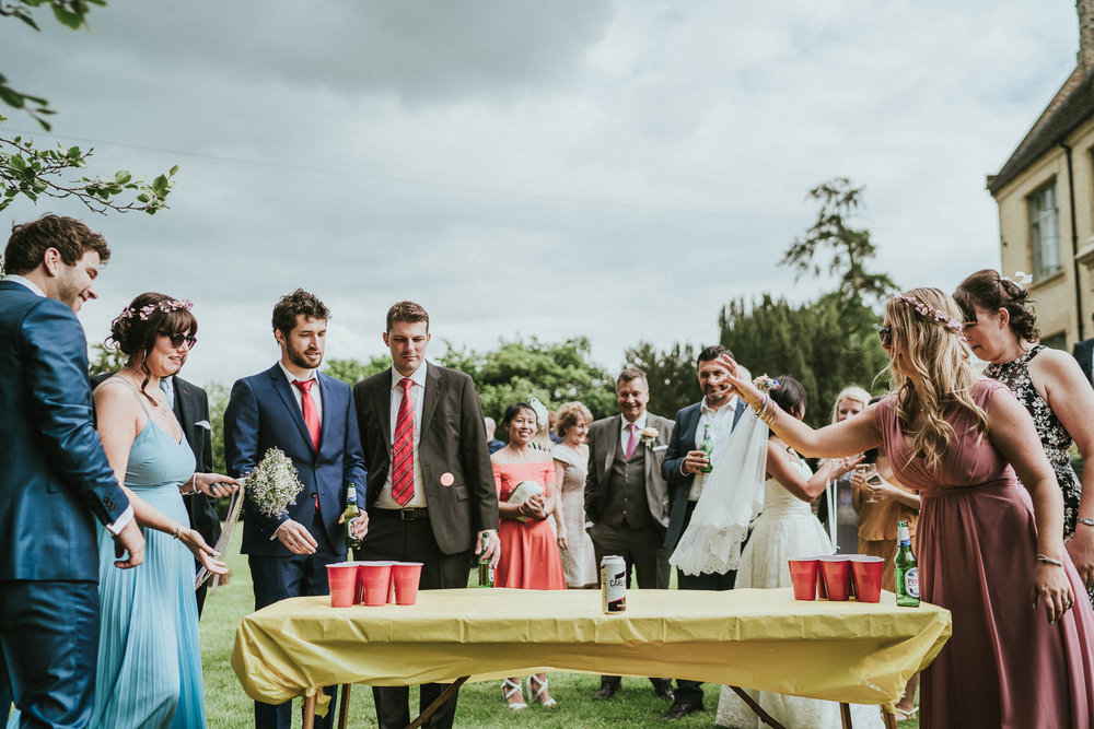 beer-pong-wedding