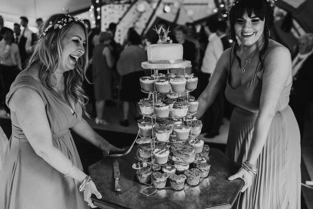 lifting-the-wedding-cake