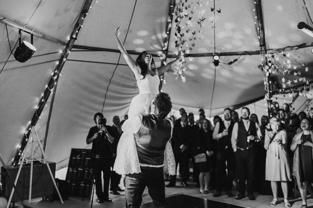 acrobatic-first-dance-ideas