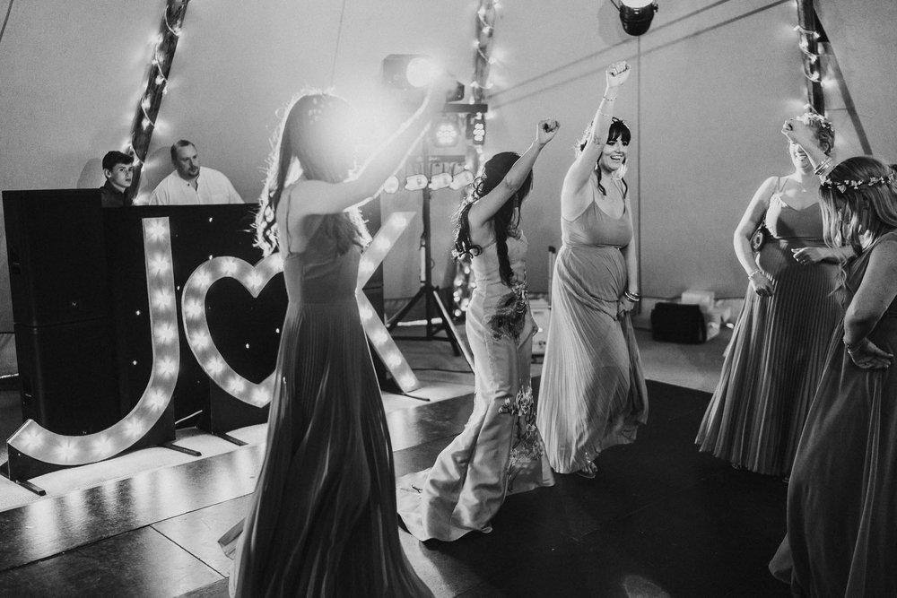 fun-dancing-photography