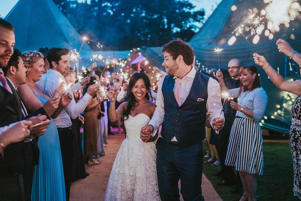 sparkler-wedding-photography