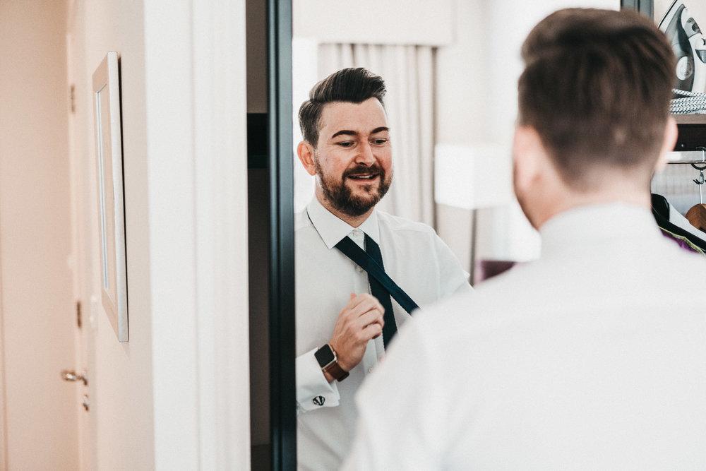 groom-prep-photos
