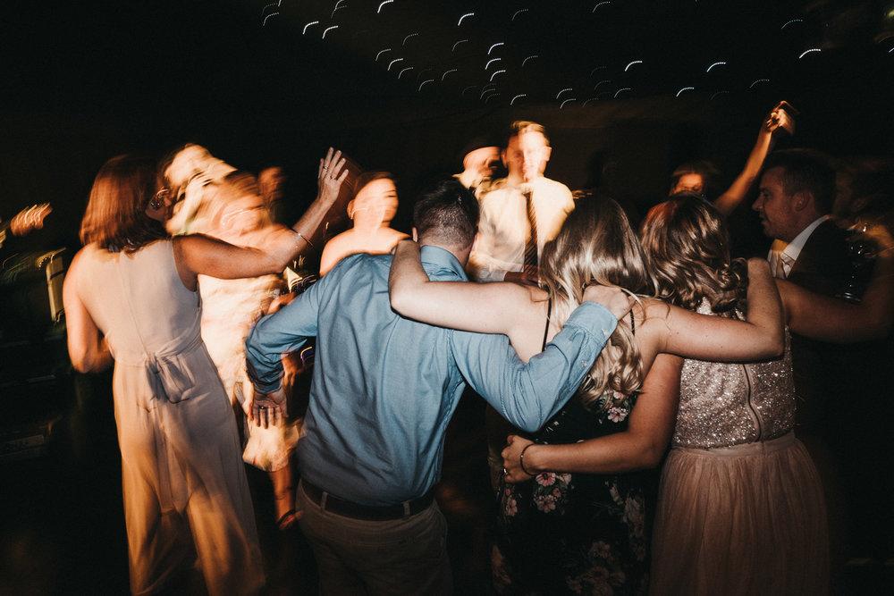 awesome-wedding-dancing-photos
